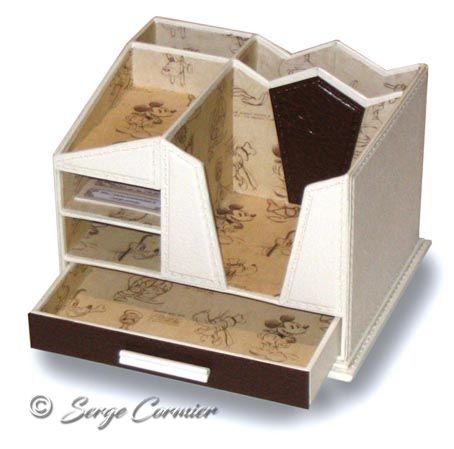 bureau mickey pupitre mickey club houseverifie achat vente bureau banc meuble rangement. Black Bedroom Furniture Sets. Home Design Ideas