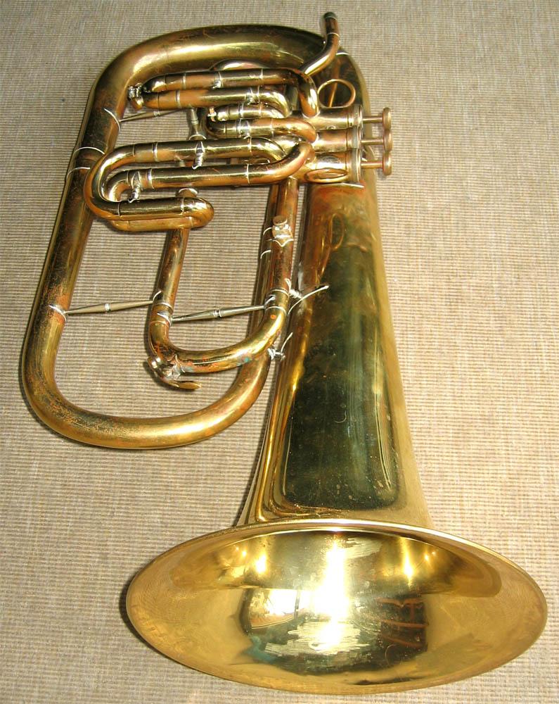 marching trombone a piston n 44. Black Bedroom Furniture Sets. Home Design Ideas