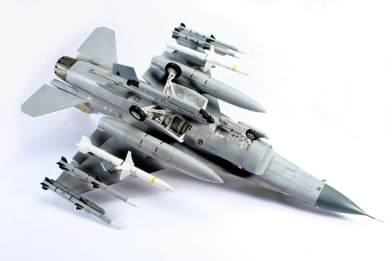 F-16_4.jpg