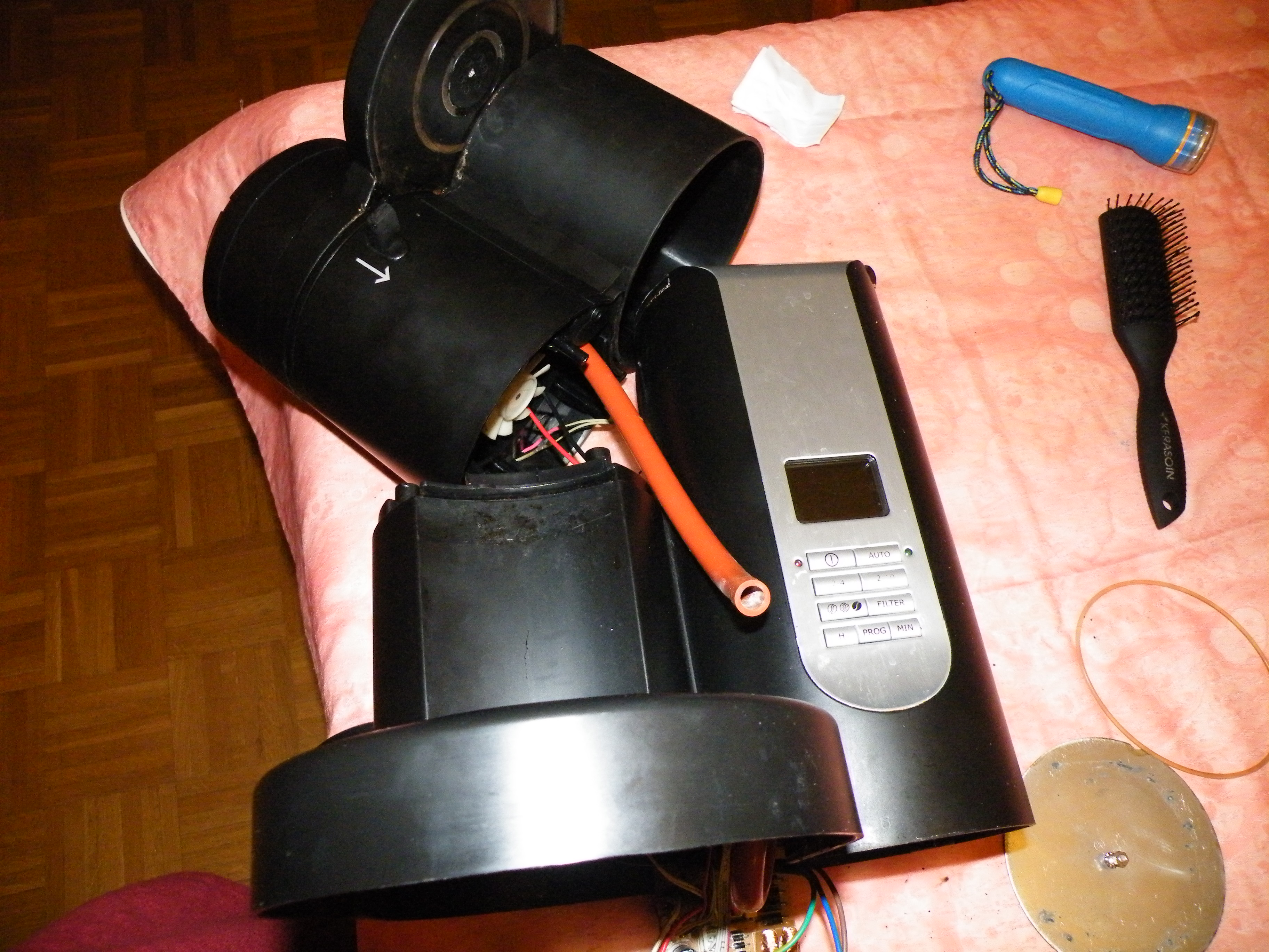 Cafeti re electrolux ekam200 ne moud plus le caf forums de abcelectronique - Cafetiere moud le cafe ...